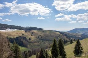 The Künbach creek stretches through this valley